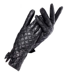 Accessories - Black Leather The Ashley Cashmere Gloves C16